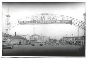 Vintage 1940s Photo RENO ARCH Used Car Dealer Taxi Cab FLYING A SERVICE STATION