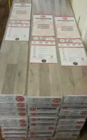 HOWDENS GREY WOOD EFFECT LAMINATE FLOORING(price per square metre)