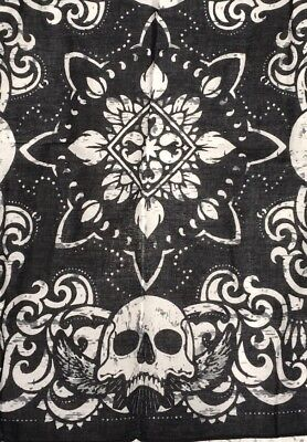 Skull Wings Flames Tribal Pinup Bandana Black White Flower Biker Rockabilly Wrap](White Bandanas)