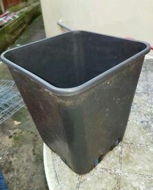 150 available Square Garden Pots 12 Litre
