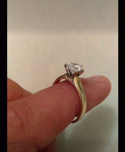 Women's engagement ring Alexander Heights Wanneroo Area Preview