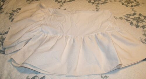 kidsline treasures crib skirt ivory color with flowers pre owned