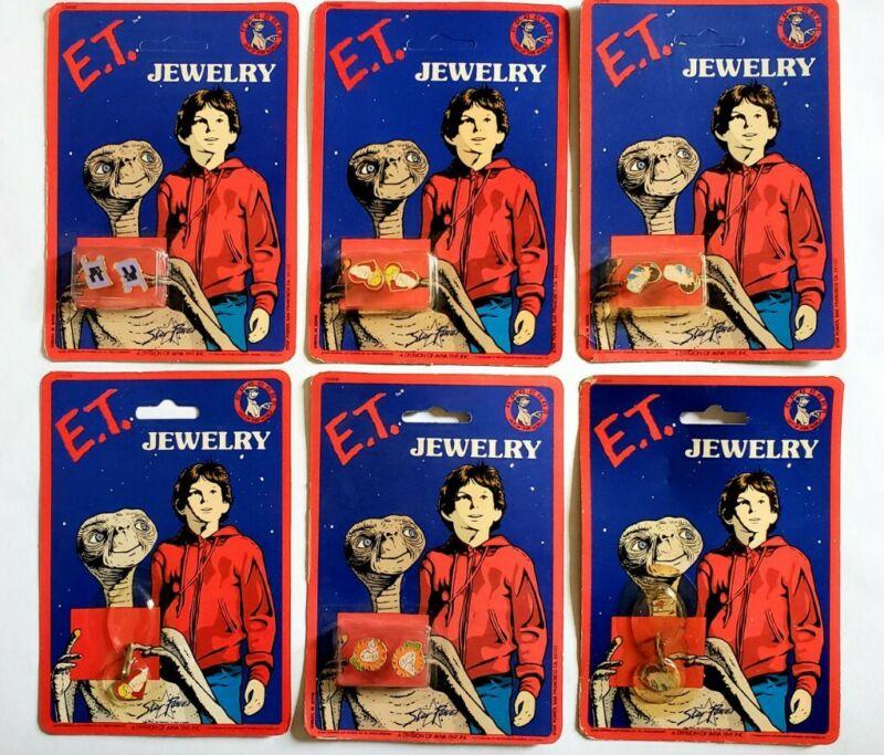 VINTAGE 1980s ET MOVIE PROMO JEWELRY SET - STEVEN SPIELBERG EARRINGS PENDANT TOY