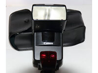 CANON 550EX SPEEDLITE FLASHGUN FOR CANON DSLR CAMERAS £100