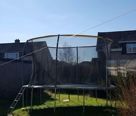 Sportspower Trampoline Good Condition includes enclosure and Ladder