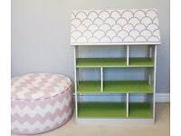 Book shelf/doll house