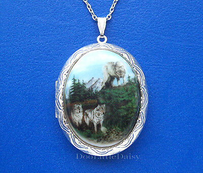 Porcelain WOLF PACK (3 Wolves) CAMEO Costume Jewelry ST Locket Pendant Necklace - Wolf Pack Costume