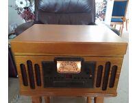 Retro style record/radio/cd & tape player