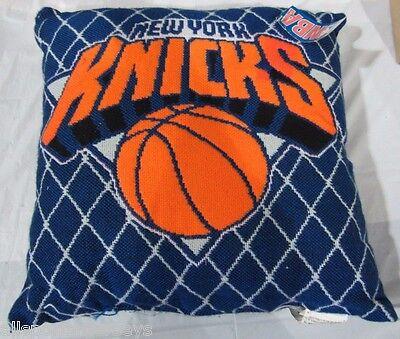 NBA NWT 20X20 JACQUARD PILLOW - NEW YORK KNICKS