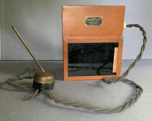 VINTAGE KODAK SAFELIGHT LAMP / KODAK DARKROOM THERMOMETER 1920s-30s