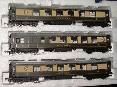 3 Hornby 00 Pullman coaches