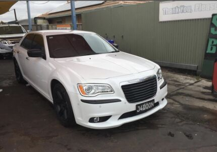 Chrysler 300C... immaculate condition. Full service history