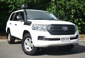 2018 Toyota Landcruiser VDJ200R GX White 6 Speed Sports Automatic Wagon Mackay Mackay City Preview