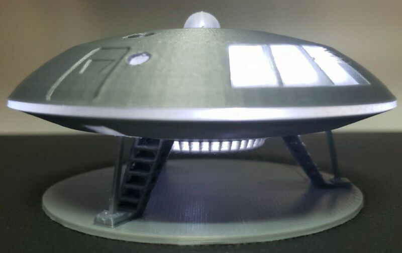 Jupiter 2 [from Lost in Space] - with battery-powered lights - small