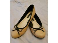 Flat shoes size 3 Reserved