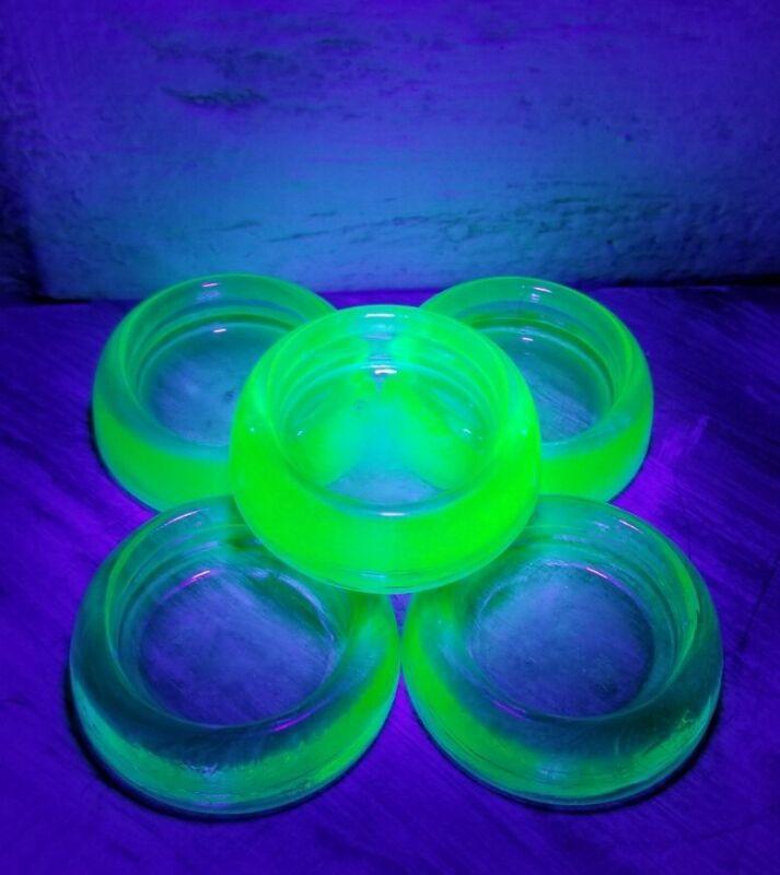 Salt Cellars Vntg Uranium Green Depression Glass Anchor Hocking Open Salt Dip 5