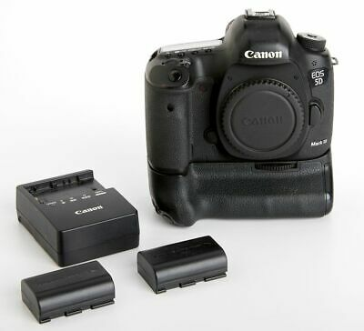 Canon EOS 5D Mark III 22.3MP Digital SLR Camera Body Plus Canon Grip  BG-E11
