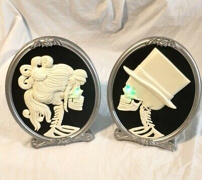 Animated Interactive Talking Skeleton Cameos Wall Plaque Spirit Halloween Tested