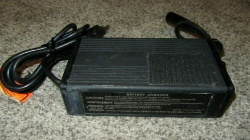 Soneil 2408S-B Battery Charger *Works great!*