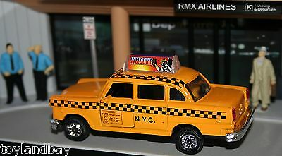 Nyc York City Old Yellow Checker Taxi Cab 1:43 Scale Diecast Metal