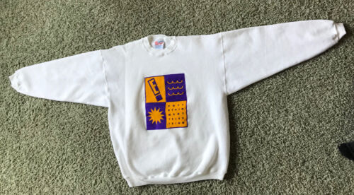 VINTAGE E! ENTERTAINMENT TV PROMOTIONAL SWEATSHIRT GIFTED TO STATION TALENT