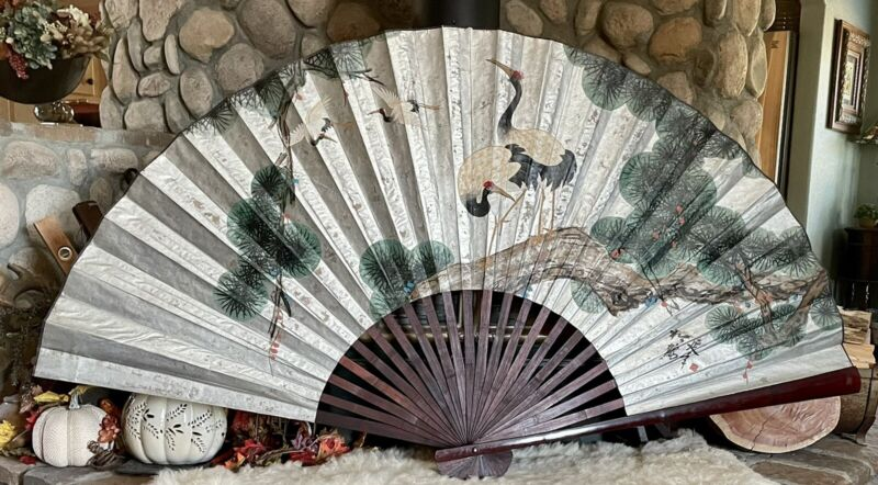 """BEAUTIFUL VINTAGE LARGE ORIENTAL HAND PAINTED FAN DECOR WALL HANGING 80""""x40"""""""