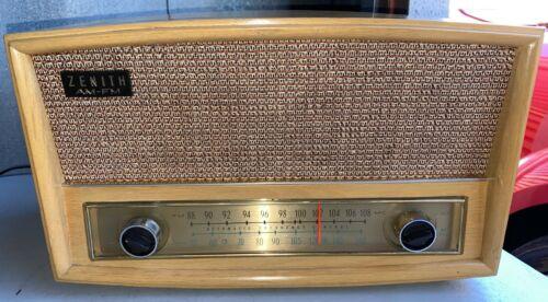 Working Zenith G730 AM/FM Tube Radio