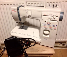 JANOME SEWING MACHINE 423S WITH COVER CASE - EXCELLENT CONDITION