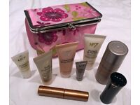 BOOTS NO 7 MAKE UP BEAUTY GIFT PACK