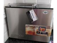 Kenwood Breadmaker, Black & Silver. As new, with instructions & recipe book.