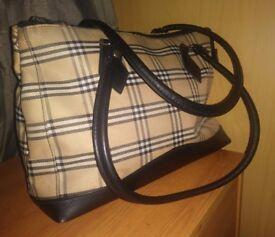 Ladies black & white tartan patterned handbag