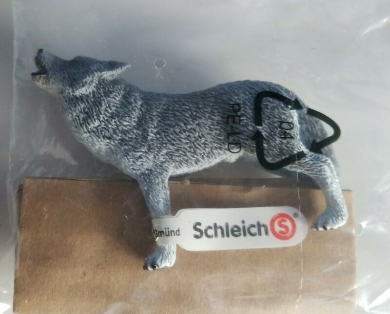 New RETIRED Schleich HOWLING WOLF #14626