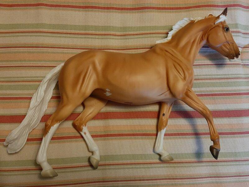 Breyer Horse BreyerFest 2020 SR Slainte Surprise Chalky Matte Palomino Giselle