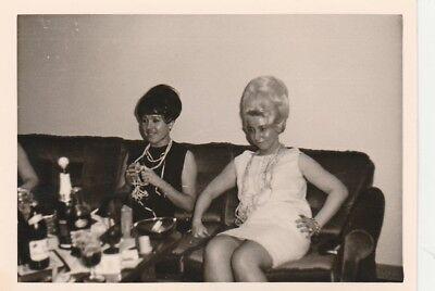 Foto Vintage Hübsche Frauen mit toller Frisur 50er Jahre ()