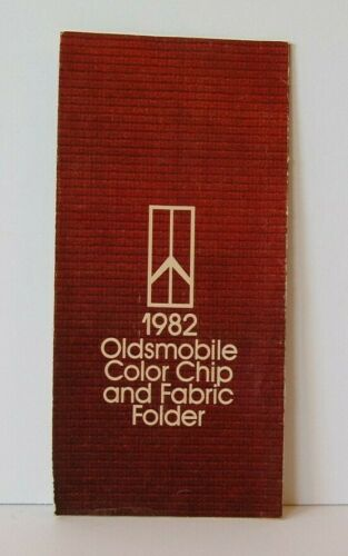 One 1982 Oldsmobile Paint Chip Colors and Fabric Pictures Brochure