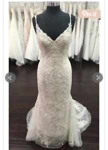 Complete Lace Wedding Dress
