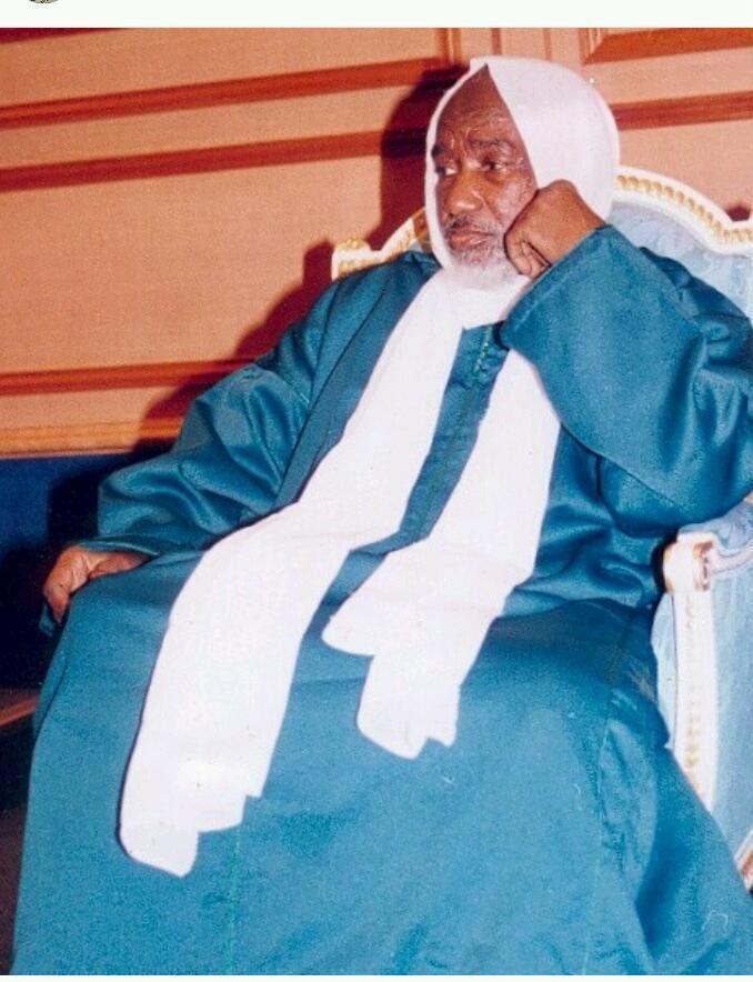 The Most Famous Spiritual Healer, Psychic & Clairvoyant - Professor Sheikh Kajali