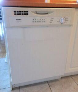Dishwasher delivered lave-vaisselle livrée