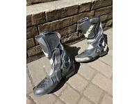 Oxtail motorcycle boots
