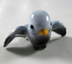 Hagen-Renaker-miniature-made-in-America-Tweetie-Bird-Mama-Blue-bird