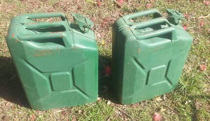2 X STEEL 20 LITRE JERRY GERRY CANS CLEAN FUEL DIESEL PETROL Slacks Creek Logan Area Preview