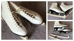 LADIES ICE SKATES.    SIZE 11.