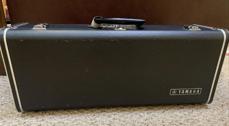 Vintage Yamaha Black Horn Case w/ Keys