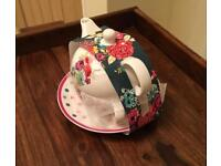 Tea for one tea pot and cup and saucer