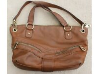 Michael Kors. Women's Leather Bag. Brown/Tan