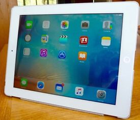 IPad 3, Silver - WiFi 16 Gb - in Excellent working Condition Model A1416 (Part No MD328B/A)