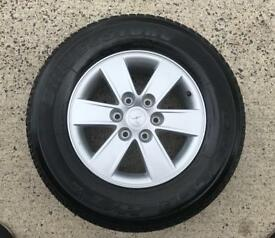 Genuine 17inch Mitsubishi Shogun Alloys with As New Tyres