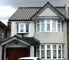 ★★★★SPACIOUS 4 BEDROOM HOUSE WITH HIGH STANDARDS OF FITTINGS AND FINISHES★★★★