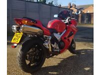 2002 Honda VFR800 VTEC - Low mileage @ 5200, very good condition and extras!