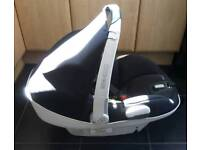 Maxi Cosi Air Car Seat in Black and White
